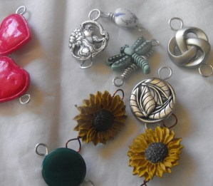 button clasps