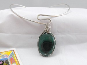 malachite_and_silver_pendant_a6e51657